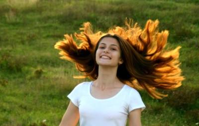 Capelli deboli e caduta dei capelli: shampoo, balsamo e rimedi?